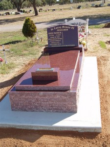 Single Red Polished Monument Dubbo