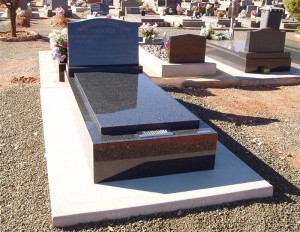 Single Polished Maroon Monument Dubbo